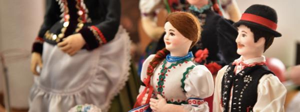 Népviseleti babákkal gyarapodott a Vármúzeum gyűjteménye
